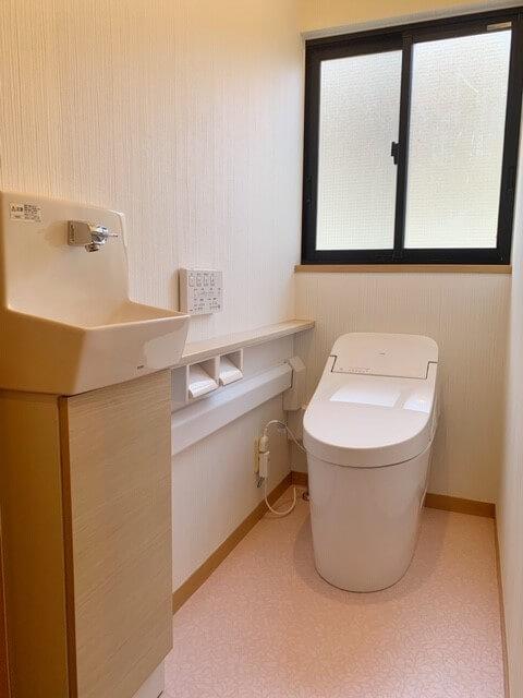 カウンター付きトイレ取替工事🛠