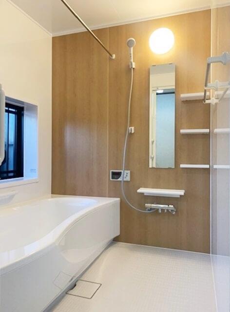 広々とした引き戸の入り口へ✨浴室取替工事🛠